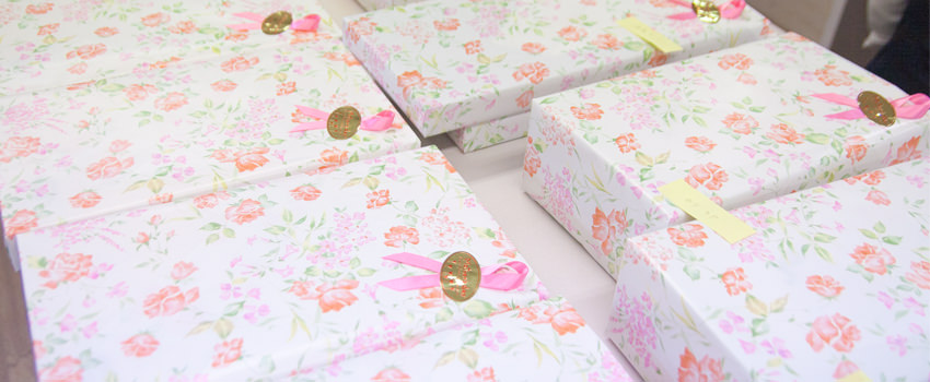 母の日の発送準備がピークです 贈物広場セノヲ山崎店